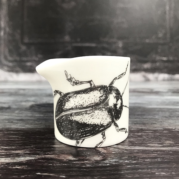 Beetle creamer front