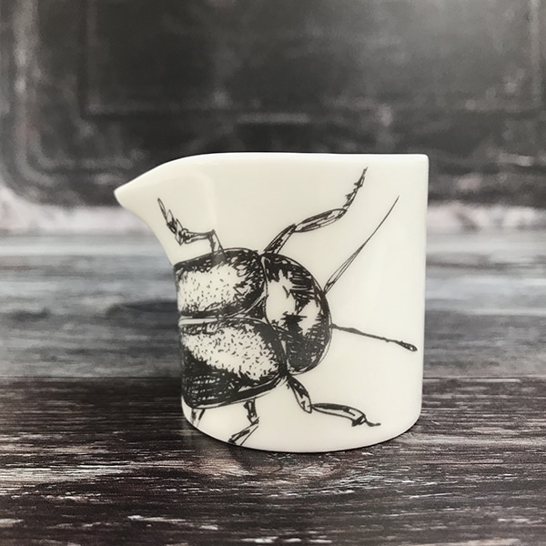 Beetle creamer front1