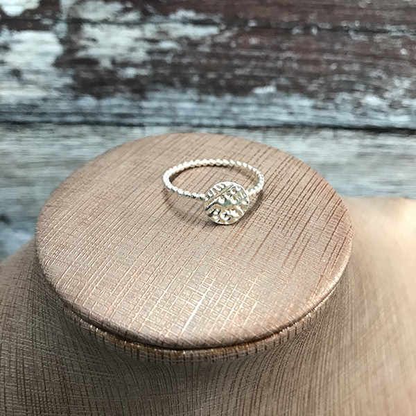 23 Paisley round ring a