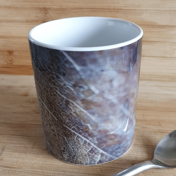 Gold leaf2 mugs by Sarah Rowley from Roaonokeart.co .uk
