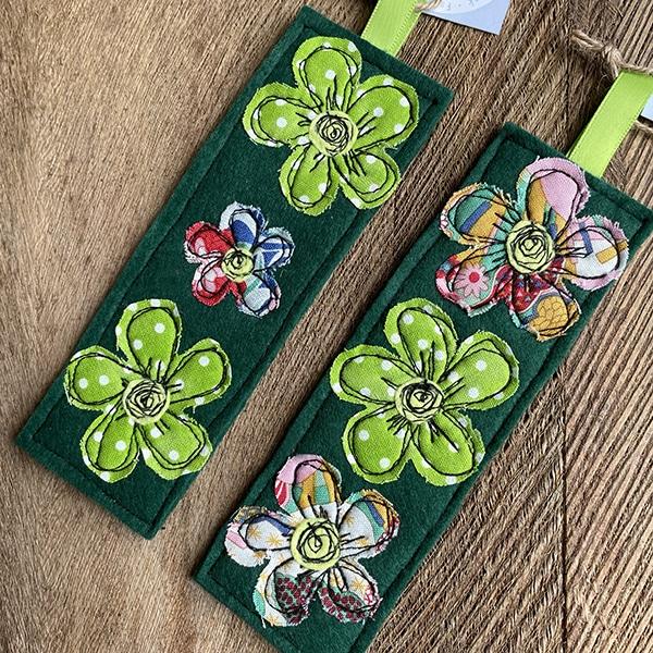 Greenmulti flower bookmark